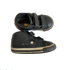 Converse leather Velcro sneakers